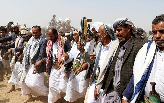 عسكري يمني: لم نحرق مصافي عدن