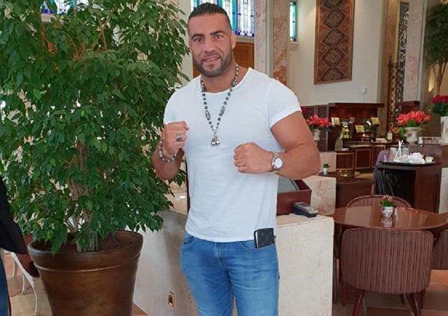 بطل العالم بالملاكمة الألماني من أصول سورية عمر مانويل شار