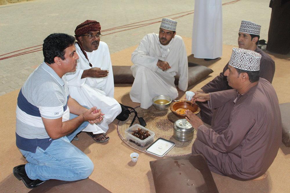 القهوة العمانية... الدلة والفنجان تراث عالمي