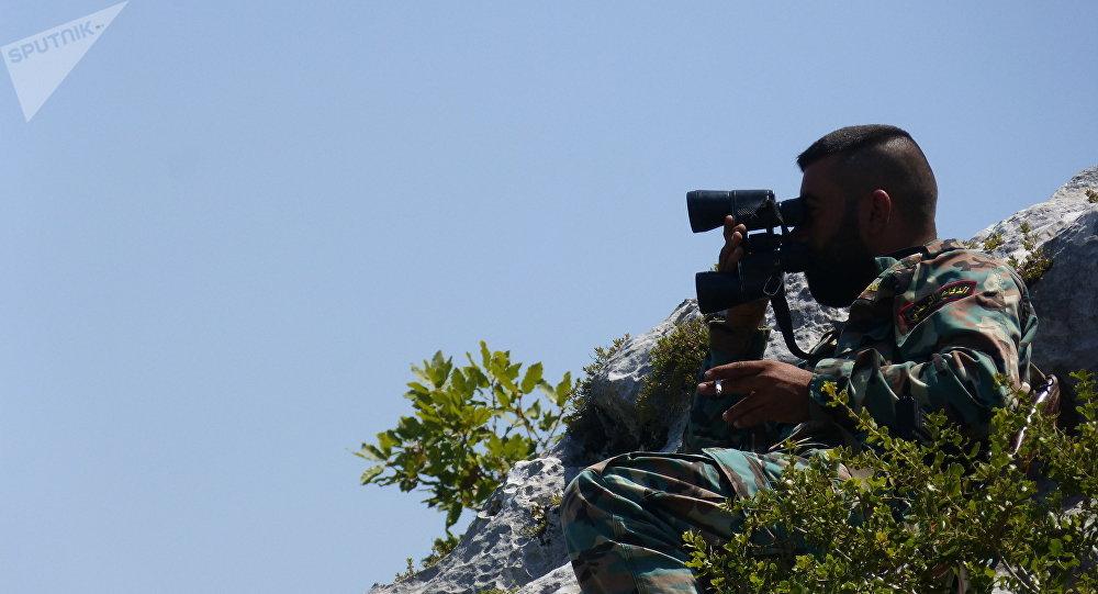 أمتار بين الجيش السوري والجندرما...قواعد عسكرية تركية على الأقرع