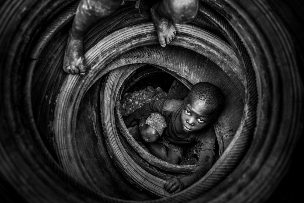 صورة بعنوان بولمبيغو: جنة القلوب المنسية للمصور أنطونيو أراغون رنونسيو من بوركينا فاسو، الفائز بجائزة بين المرشحين في فئة يوصى بشدة