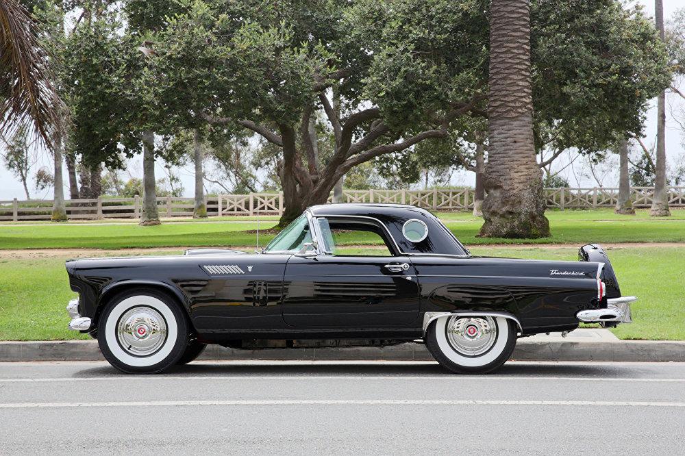 سيارة للممثلة الأمريكية الراحلة مارلين مونرو