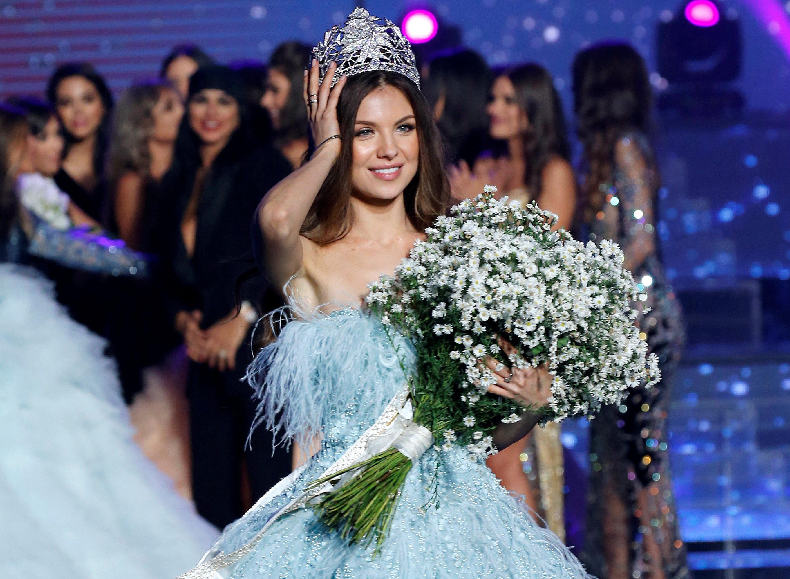 ملكة جمال لبنان الجديدة مايا رعيدي