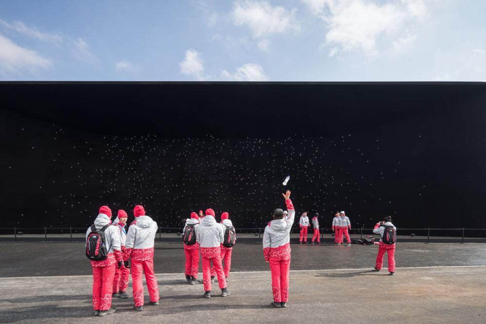 صورة بعنوان التحكم، من قبل المصور لوريان غينيتويو من الولايات المتحدة، الذي دخل ضمن قائمة المرشحين النهائيين لمسابقة جوائز فن التصوير المعماري 2018 في فئة المباني المستخدمة