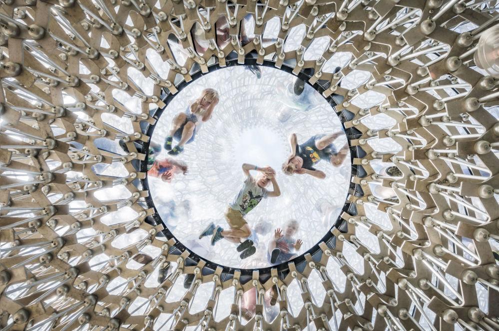 صورة لبستان ملكي، من قبل المصور عمر كانيباك من بريطانيا، الذي دخل ضمن قائمة المرشحين النهائيين لمسابقة جوائز فن التصوير المعماري 2018 في فئة المباني المستخدمة