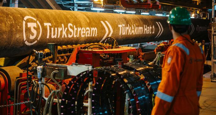التيار التركي خط أنابيب لنقل الغاز الطبيعي الروسي إلى أوروبا عبر تركيا