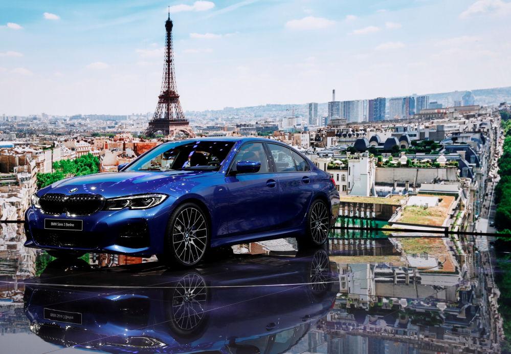 عرض موديل سيارة بي إم دبل يو 3 (BMW 3) الجديدة معرض السيارات الدولي مونديال دو لوتوموبيل في باريس، 2 أكتوبر/ تشرين الأول 2018