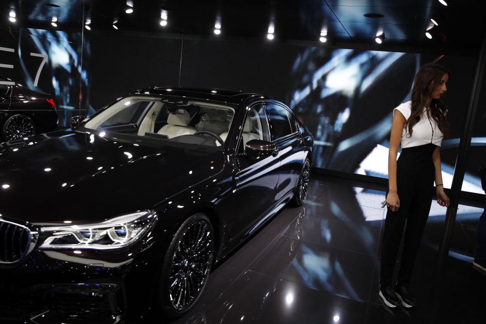 سيارة موديل بي إم يو 7 (BMW 7) في معرض السيارات الدولي مونديال دو لوتوموبيل في باريس، 3 أكتوبر/ تشرين الأول 2018