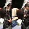 شاهد ماذا فعل ياباني مع فتاة نائمة في المترو