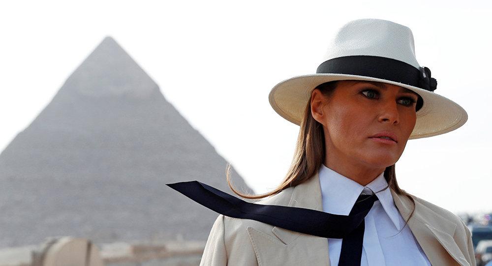 قرينة الرئيس الأمريكي ميلانيا ترامب خلال زيارتها الأولى إلى مصر، 6 أكتوبر/تشرين الأول 2018