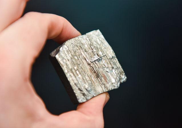 مغناطيس دائم يحتوي على الكوبالت