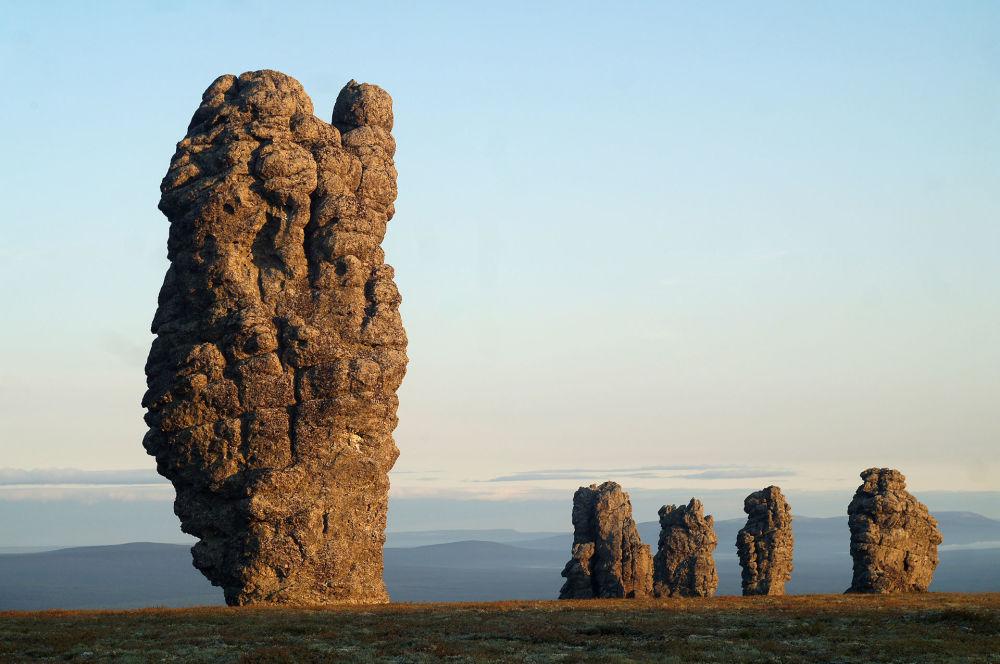 صخور منبوبونيور (Manpupuner rock formations)، روسيا