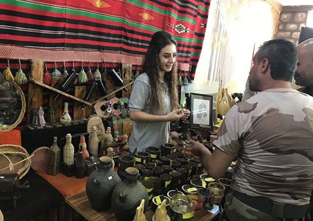 نظمت في مدينة مصياف مبادرة هي الأولى من نوعها تهتم بتسويق سلع من إنتاج أو تصنيع عدد من جرحى الجيش السوري