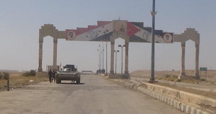 الجيش السوري قرب هجين في ريف دير الزور