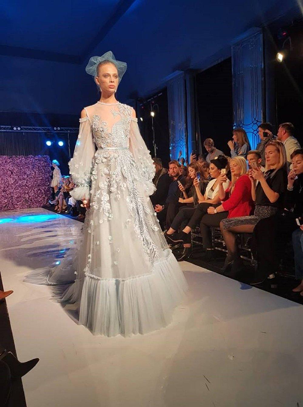 7fff57e72aaac مجموعة من دار الأزياء (AMATO COUTURE)، في ملتقى أيام الأزياء العربية في  موسكو