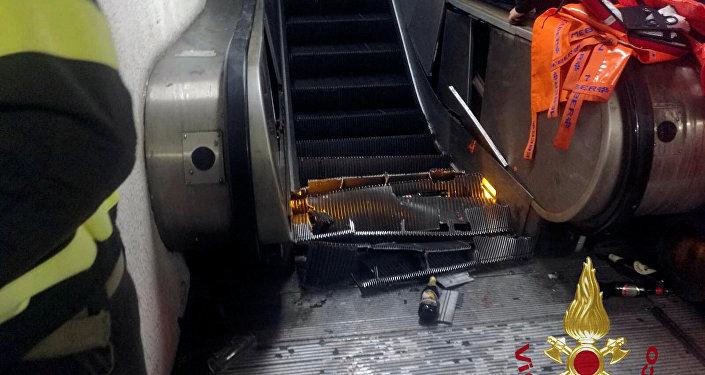 انهيار درج متحرك في مترو انفاق العاصمة روما
