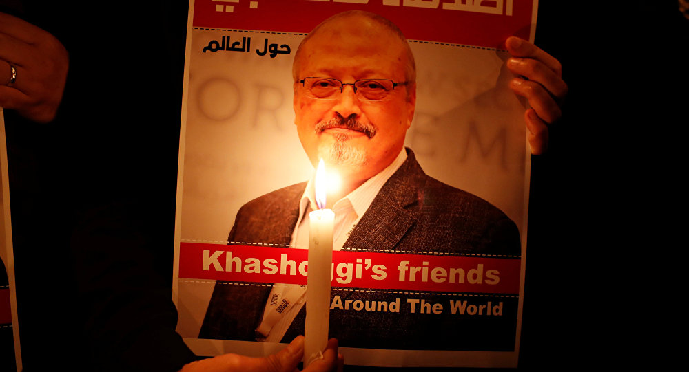 نشطاء يحملون صور الصحفي السعودي جمال خاشقجي في اسطنبول، تركيا 25  أكتوبر/ تشرين الأول 2018
