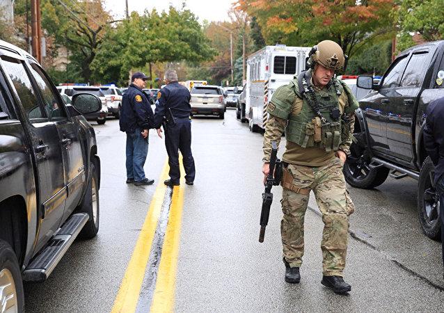 انتشار أمني في منطقة إطلاق النار داخل معبد يهودي في بنسلفانيا الامريكية