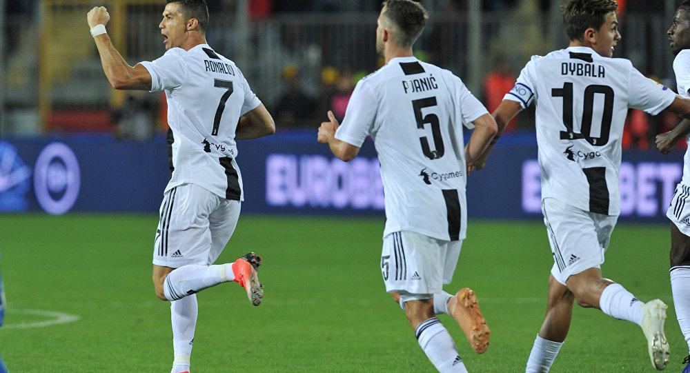 كريستيانو رونالدو نجم يوفنتوس الإيطالي خلال مباراة إمبولي