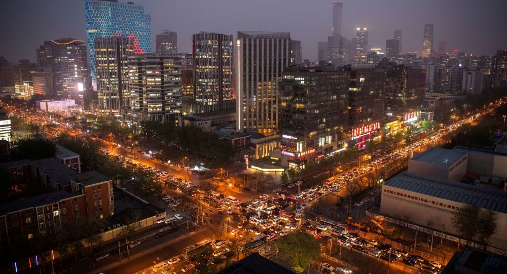 ازدحام السيارات في سوارع مدينة بكين، الصين
