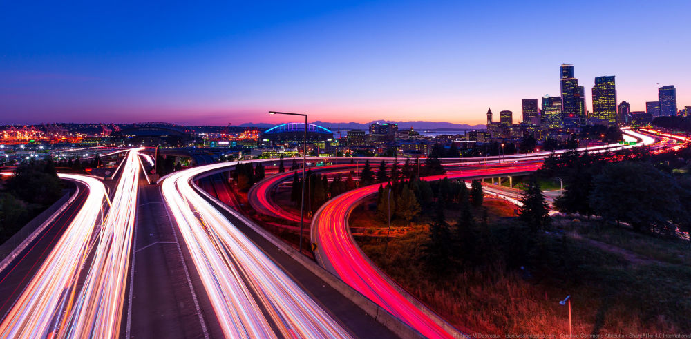 ازدحام السيارات في مدينة سياتل، الولايات المتحدة الأمريكية