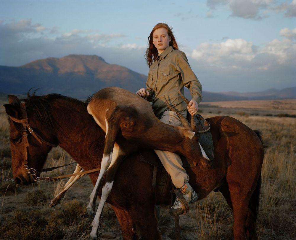 صورة بعنوان Trophy Hunting - Should We Kill Animals to Save Them?، للمصور ديفيد تشانسلير، الحاصل على المرتبة الأولى في فئة سرد قصصي