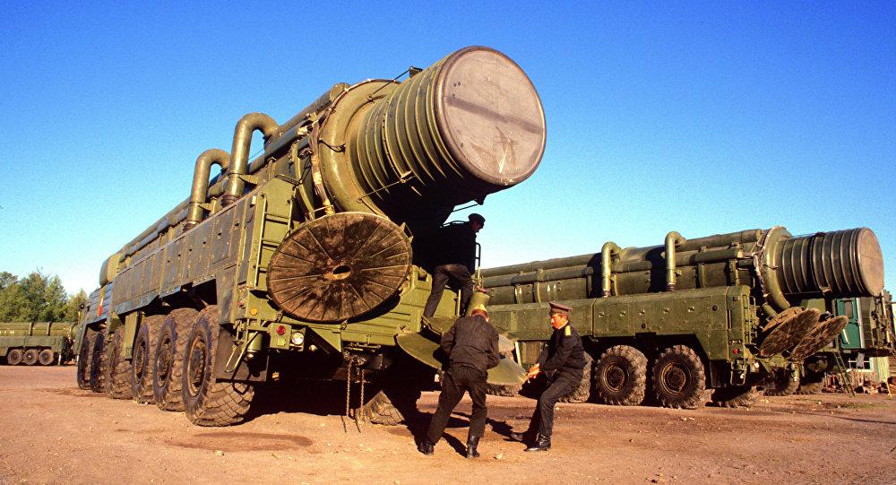 قاذفة صواريخ متوسطة المدى إر سي دي - 10 (إس إس - 20)