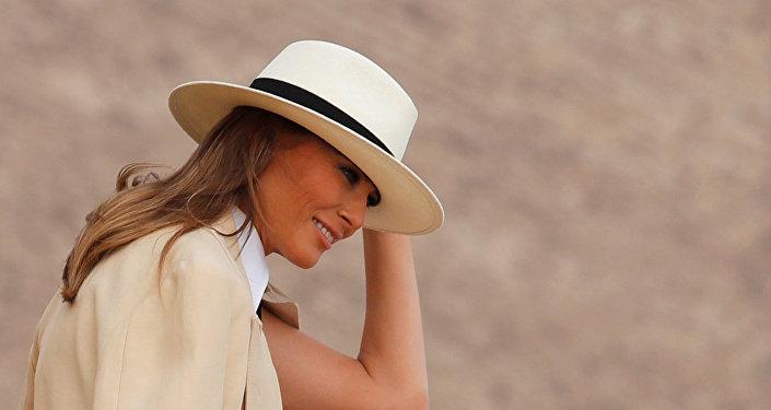 ميلانيا ترامب في زيارتها إلى الأهرامات بمصر
