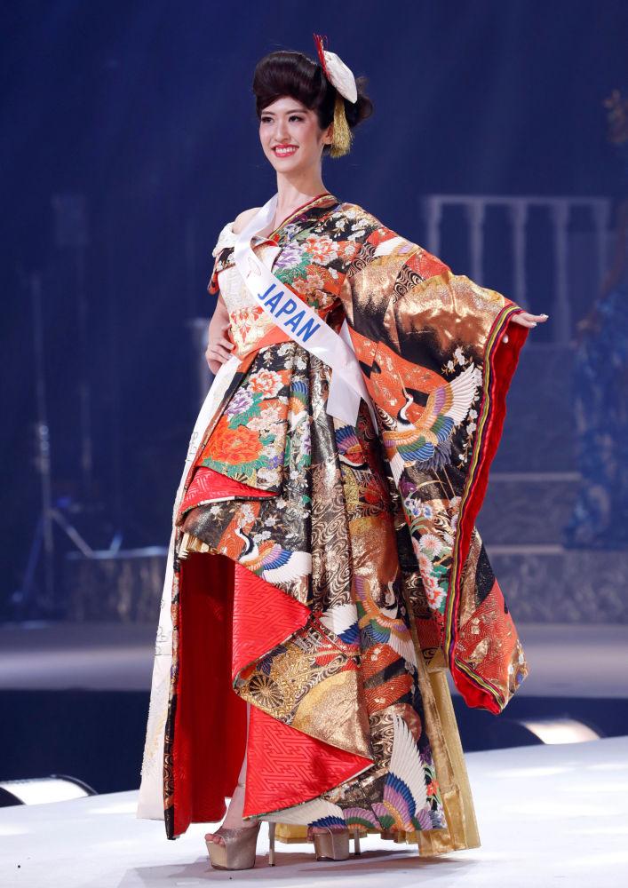 اليابانية هينانو سوجيموتو المشاركة في مسابقة ملكة جمال الأمم - 2018 في طوكيو، اليابان