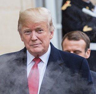 دونالد ترامب خلال زيارته إلى فرنسا