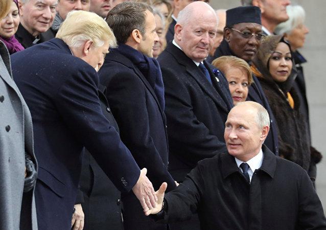 مصافحة بوتين لترامب