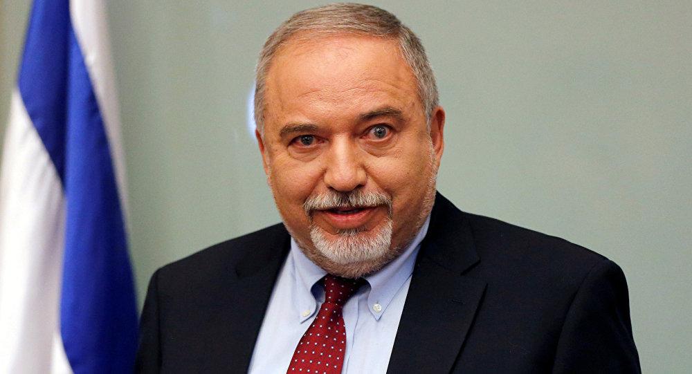 وزير الدفاع الإسرائيلي، أفيغدور ليبرمان، خلال إعلان استقالته في مؤتمر صحفي في الكنيست الإسرائيلي، 14 نوفمبر/ تشرين الثاني 2018