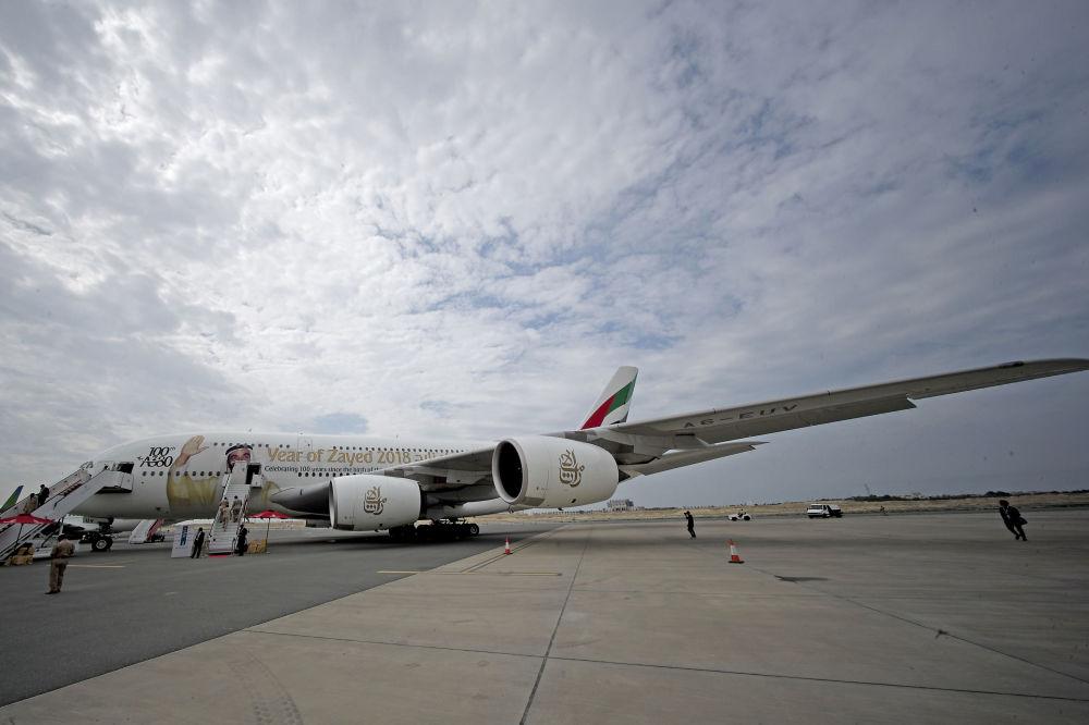 أكبر طائرة ركاب في العالم أيرباص أ380 الإماراتية، خلال العرض الجوي الدولي (2018 Bahrain International Airshow) في القاعدة الجوية الصخير في بحرين