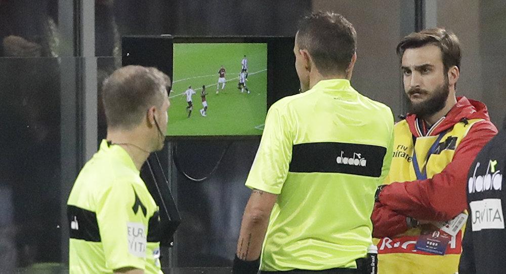 تقنية حكم الفيديو VAR