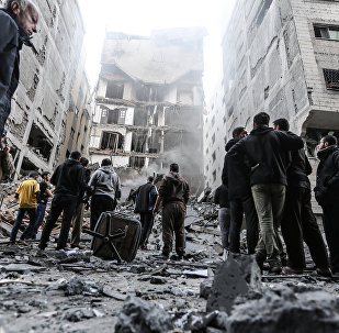 آثار قصف لمبنى في مدينة غزة، قطاع غزة 13 نوفمبر/ تشرين الثاني 2018