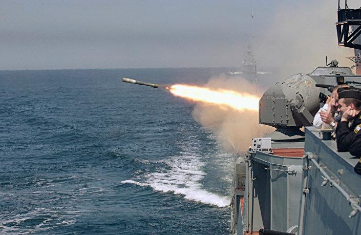 القوات البحرية الروسية تنفذ تمرينا
