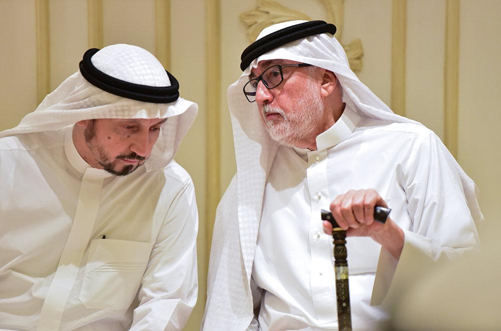 إخوة الصحفي السعودي جمال خاشقجي يتحدثان خلال العزاء في جدة
