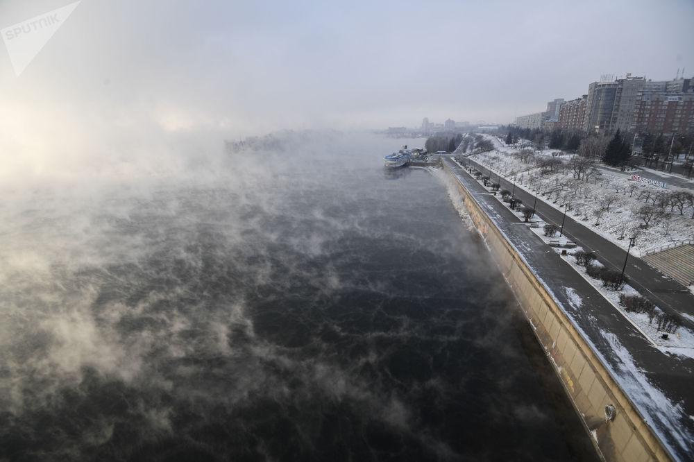 ضفة نهر ينيسي في كراسنويارسك الروسية