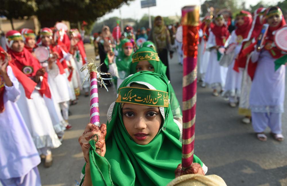 احتفالات بمناسبة المولد النبوي في كاراتشي، باكستان 21 نوفمبر/ تشرين الثاني 2018