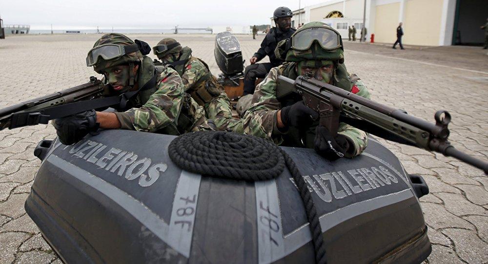 جنود الناتو خلال تدريب