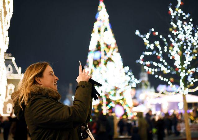 زينة أعياد الميلاد ورأس السنة - موسكو