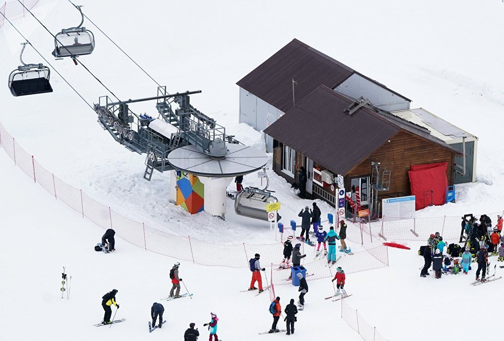 افتتاح موسم التزلج في كراسنايا بوليانا