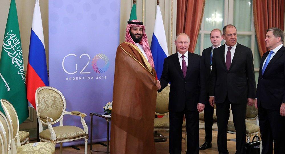 الرئيس الروسي فلاديمير بوتين يلتقي مع ولي العهد السعودي محمد بن سلمان