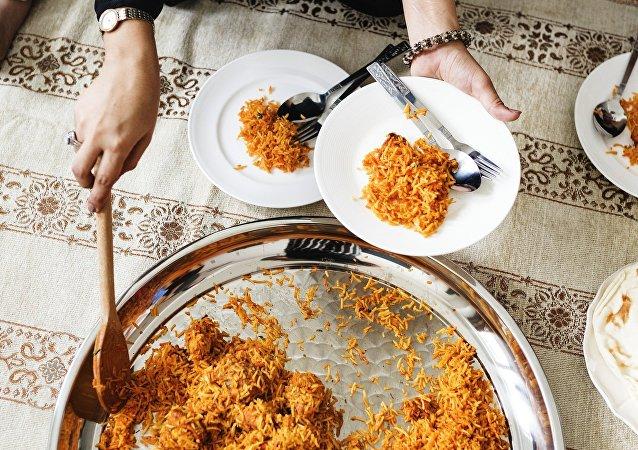 طبق من الرز