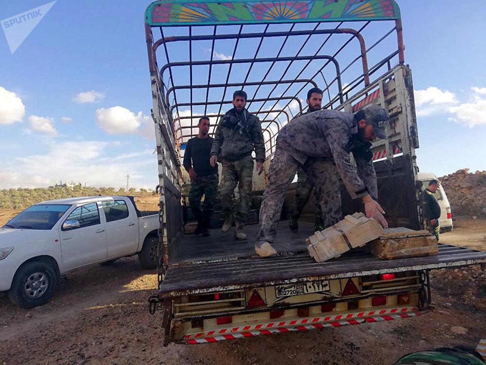 الأمن السوري يضبط أنفاقا ومستودعي أسلحة وصواريخ على الحدود مع الأردن оружие в туннеле