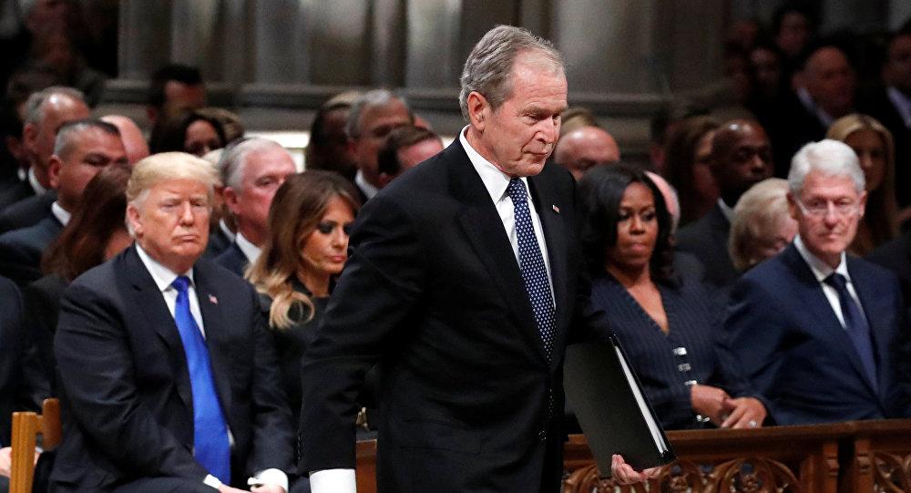 الرئيس الأمريكي الأسبق جورج بوش الأب في جنازة والده الرئيس الأمريكي الأسبق جورج بوش الأب في كاتدرائية واشنطن الوطنية، 5 ديسمبر/كانون الأول 2018