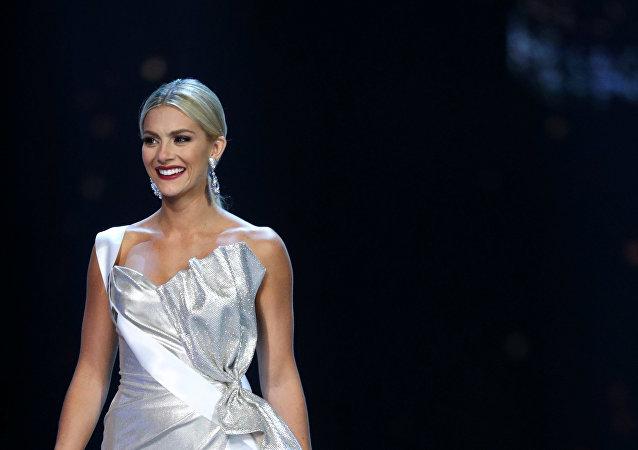 ملكة جمال الولايات المتحدة الأمريكية سارة روز سامرز