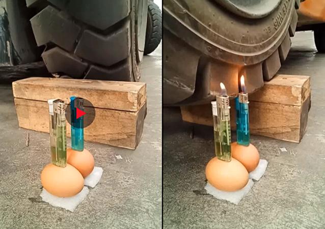 سائق جرار يشعل قداحتين موضوعتين على بيضتين بكل براعة