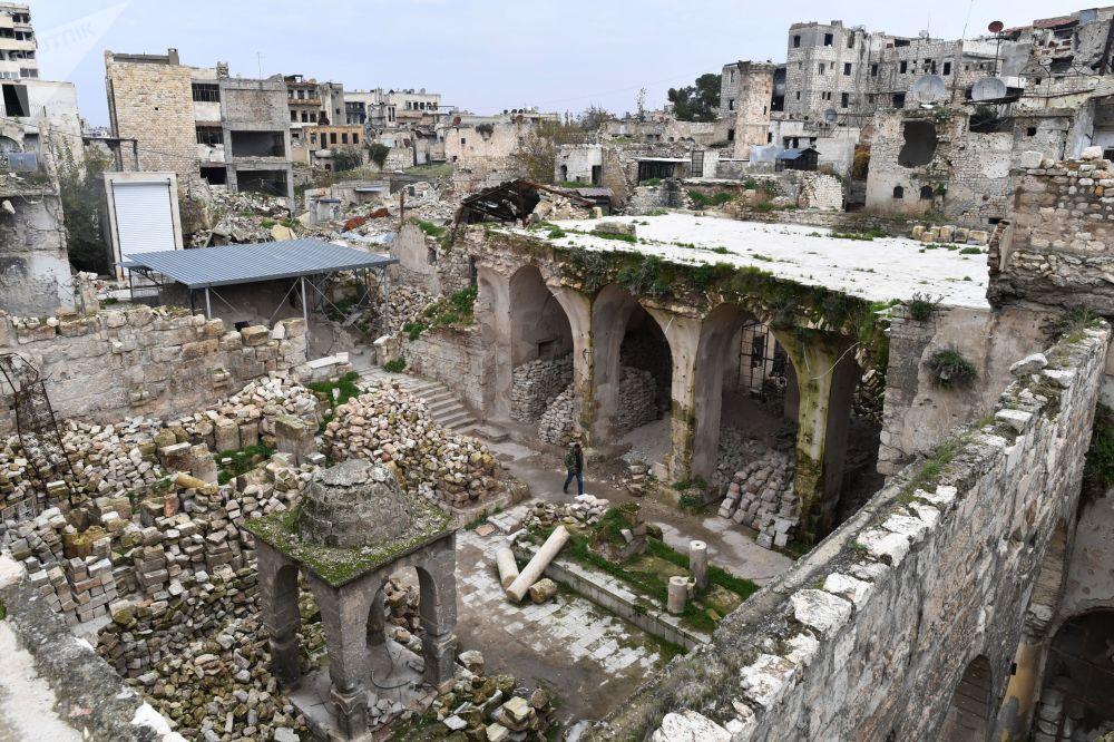 ركام لكنس يهودي في مدينة حلب، سوريا
