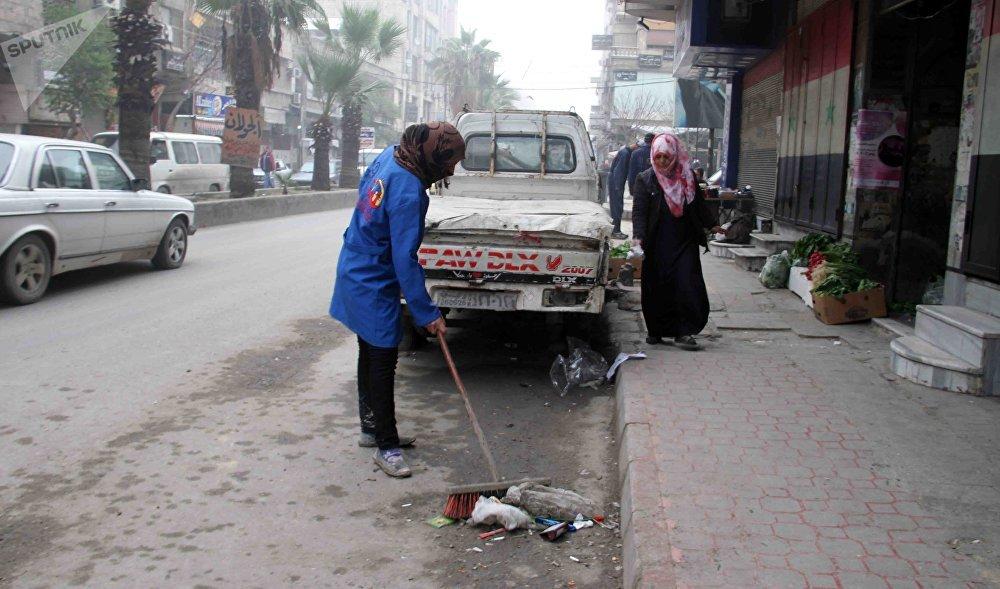 عاملات نظافة في شوارع دمشق - خلود حسين عبود